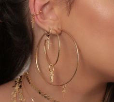 Non Tarnish Gold Filled Double Lobe Earring bajoran body jewelry Double Piercings Double, Two Hole Earrings Double Earring BAJORAN - Custom Jewelry Ideas Three Ear Piercings, Cute Ear Piercings, Cute Jewelry, Body Jewelry, Jewelry Accessories, Jewellery, Red Earrings, Crystal Earrings, Accesorios Casual