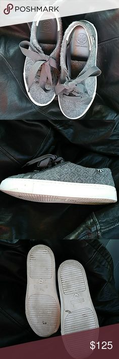 Tory burch sneaker Shoes Used Tory Burch shoes textile and leather upper,leather lining, rubber sole, 945 F15 S/N 32158218 Tory Burch Shoes Sneakers