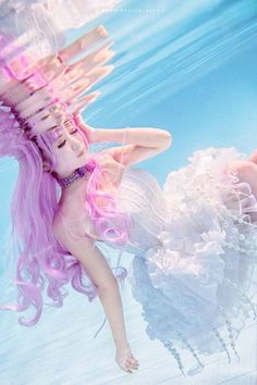 """I know how submerged photos are hard to do, but I find it really successful! And any appropriate has done because it is the manga princess jellyfish with """"the"""" dress méduse!  Good Sunday to all! ☆ Lex"""
