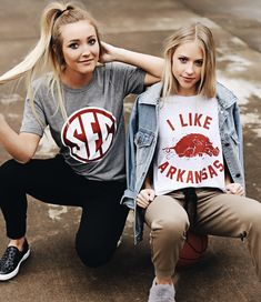 sec and Arkansas game day outfit inspo The Effective Pictures We offer you Abou … – Basic Game Day Shirts University Of Arkansas, Arkansas Game, University Life, Tailgate Outfit, Most Popular Image, College Game Days, Game Day Shirts, Most Beautiful Images, Football Outfits