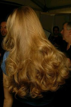 Billowy long ginger hair so feminine and pretty! Hair Inspo, Hair Inspiration, Aesthetic Hair, Blonde Aesthetic, Brown Aesthetic, Grunge Hair, Pretty Hairstyles, 80s Hairstyles, Simple Hairstyles