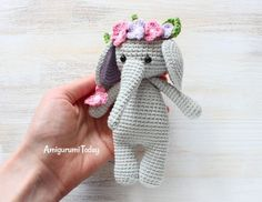 Adorable hippo and elephant buddies! Inspiration only (this link leads to a  Russian IG account sharing cute a… | Hipopótamo de ganchillo, Muñeca  amigurumi | 182x236