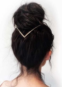 Find here our best styles of top knot bun and updo styles to wear in this year. We have collected here the sensational styles of bun for every woman to try in 2018.