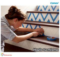 Logra detalles Boho chic pintando las escaleras con #colores claros y motivos artesanales. #HazloTuMismo #Boho #CDMX