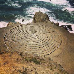 Laberinto de Rocas Arqueológico cerca de Playa Mile Rock, San Francisco.