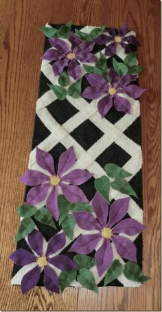 Climbing Clematis Let's make it! Flower Quilts, Fabric Flowers, Felt Flower Pillow, Climbing Clematis, Clematis Flower, Stained Glass Quilt, Applique Tutorial, Fabric Embellishment, Hawaiian Quilts