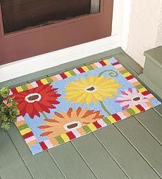 colorful--washable-hand-hooked-polyester-gerber-daisy-accent-rug