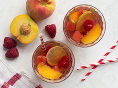 Rosé Sangria mit Pfirsich