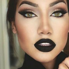 "«Gorgeous! ❤️ @makeupbyalinna @makeupbyalinna @makeupbyalinna ❤️ Lips @anastasiabeverlyhills liquid lipstick  in ""Midnight""  #amazing #auroramakeup…»"