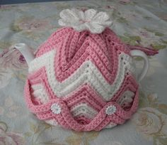 Pretty Pink & White Ripple Tea Cozy!