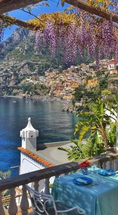 You arrive in Positano, check into your hotel and at the end of your stay you leave. Italy Vacation, Italy Travel, Vacation Spots, Travel Europe, Greece Travel, Usa Travel, Travel Destinations, Beautiful Places To Travel, Wonderful Places