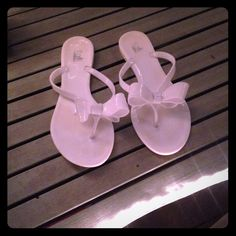 Kali bow sandals Slip on's great condition Kali Shoes Sandals