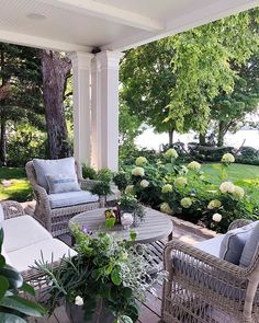 Feature Friday: Sweet Shady Lane – Southern Hospitality – Famous Last Words Outdoor Rooms, Outdoor Living, Outdoor Furniture Sets, Front Porch Furniture, Veranda Design, Patio Design, Back Patio, Backyard Patio, Balkon Design