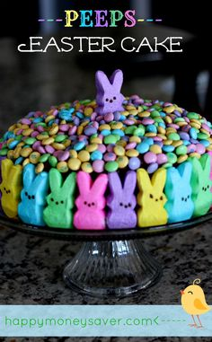 This Peeps Easter Cake is possibly the cutest Easter cake I have ever seen! Make a chocolate cake, cover the sides with peeps, and top with Easter m+m's! Holiday Cakes, Holiday Desserts, Holiday Baking, Holiday Treats, Easter Peeps, Hoppy Easter, Easter Treats, Easter Food, Easter Stuff