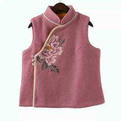Oriental Fashion, Asian Fashion, Cheongsam Modern, Cheongsam Dress, Dress Making Patterns, Chinese Clothing, Ao Dai, Chinese Style, Traditional Dresses
