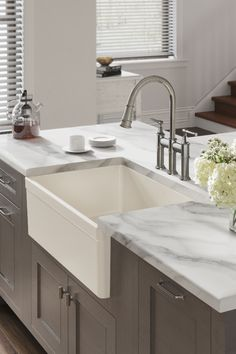 Our Fireclay sinks offer a wide variety of styles to fit your specific need. Kitchen Redo, Home Decor Kitchen, Kitchen Interior, Home Interior Design, Kitchen Remodel, Fireclay Farmhouse Sink, Farmhouse Sinks, Modern Farmhouse Kitchens, Home Kitchens