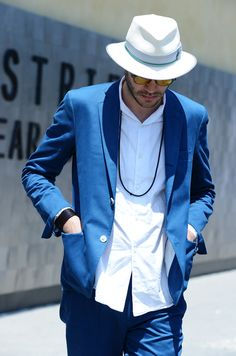 Great classic look. I'm really into the soft sport coat right now.