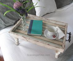 Possible Mother's or Father's Day gift , Bed tray diy, Reclaimed Wood tray, Beach decor, Serving tray diy Diy Garden Furniture, Furniture Projects, Furniture Decor, Furniture Vintage, Industrial Furniture, Furniture Plans, Vintage Industrial, Furniture Design, Reclaimed Wood Beds