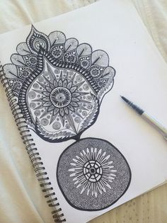 Black and white zentangle Artist Inspiration, Art Drawings, Drawings, Amazing Art, Doodle Art, Zentangle, Art, Zentangle Art, Artsy