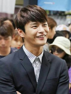 That smile though! Korean Celebrities, Korean Actors, Superstar K, Seo In Guk, Singing Career, King Louie, Ulsan, Korean Star, Love Affair
