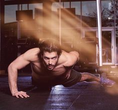 Can Yaman ('Erkenci Kus') Turkish Men, Turkish Actors, Bodybuilder, Body Muscle Anatomy, Brock Ohurn, Fitness Gym, Mens Fitness, Beard Lover, How To Look Handsome