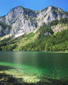 Ja, das Wasser ist wirklich so schön dunkelgrün! Mountains, Nature, Travel, Darkness, Water, Nice Asses, Naturaleza, Viajes, Destinations