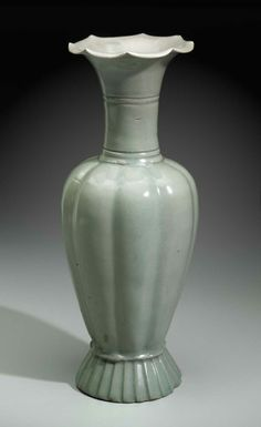 Melon-Shaped Vase with Flower-Shaped Mouth. Korean, Goryeo dynasty, first half of the 12th century