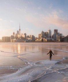 Toronto, On Canada 🇨🇦 Toronto Ontario Canada, Toronto City, Downtown Toronto, Toronto Skyline, Toronto Photography, Honeymoon Spots, City Aesthetic, Tourist Places, Imagines