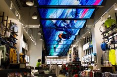 27 Digital Signage Screens Are Suspended Across the Length of Oakley's NY Flagship Retail Space. Read more on ScreenMedia Daily Id Digital, Digital Retail, Digital Signage Displays, Digital Signage Solutions, Retail Store Design, Retail Stores, Retail Experience, Retail Merchandising, Digital Marketing Strategy