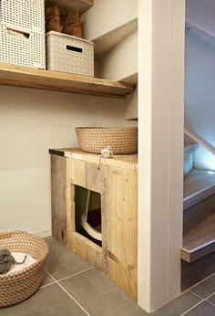 kattenbak-onder-trap