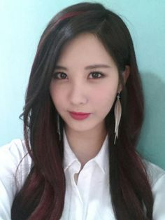 SNSD Girls Generation Seohyun Black Red Long Side Part