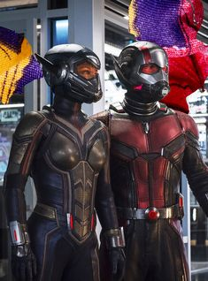 Marvel Studios Ant-Man and The Wasp Drops Official Trailer. The new film starring Paul Rudd will land in theaters on July Marvel Dc, Vespa Marvel, Marvel Comics, Marvel Heroes, Marvel Characters, Michelle Pfeiffer, Paul Rudd, Wasp Costumes, Die Rächer