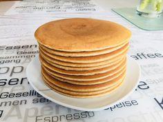 Der perfekte Pfannkuchen – gelingt einfach immer The perfect pancake – always succeeds, a great recipe in the baking category. Dessert Simple, Appetizers For Party, Appetizer Recipes, Dessert Recipes, Pizza Recipes, Margarita Bebidas, Pancake Healthy, Chefs, Easy Desserts