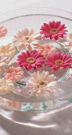 #pink #makeup #flowers #nails #inspiration #camillelavie #dresses