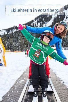 Es ist schön dabei zu sein, wenn Kinder etwas zum ersten Mal erleben, findet die Skilehrerin Maria Gobald. Seit 30 Wintern sorgt sie bei der Skischule Hirschegg – einer von sieben Skischulen im Kleinwalsertal – dafür, dass das eine richtig gute Erfahrung für die Kleinen wird. #ski #skikurs #visitvorarlberg #myvorarlberg #kleinwalsertal Christmas Sweaters, Jackets, Fashion, Globe, Shoulder, Children, Nice Asses, Down Jackets, Moda