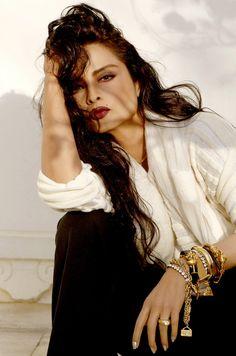 Rekha 2016 – About Eye Makeup Beautiful Bollywood Actress, Beautiful Indian Actress, Beautiful Actresses, Rekha Actress, Old Actress, Bollywood Makeup, Bollywood Fashion, Glamour World, Indian Photoshoot