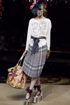 Vivienne Westwood - Spring Summer 2012 Ready-To-Wear - Shows - Vogue.it