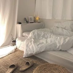 MIMI - # Check more at schlafzimmer.- MIMI – # Check more at schlafzimmer.fris… MIMI – # Check more at schlafzimmer. Cozy Bedroom, Bedroom Inspo, Bedroom Decor, Bedroom Ideas, Bedroom Romantic, Trendy Bedroom, Dream Rooms, Dream Bedroom, Master Bedroom