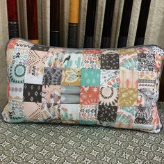 @ok_jojo - Who would have guessed you could get a pillow out of a Hawthorne Threads sample set! I need to order yards of this. It reminds me of New Mexico and Arizona vacations. #coyote #hawthornethreads #patchwork