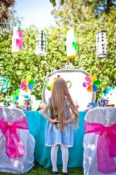 Very detailed Disney Style Alice in Wonderland birthday party.
