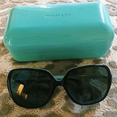 tiffany sunnies never worn comes with case Tiffany & Co. Accessories Sunglasses