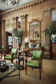 A Lost English House Gets Reborn as One of Tony Highland Parks Most Stunning Homes: How a Grand Drawing Room Traveled 6000 Miles and Became a Star Interior Designers Greatest Treasure English Interior, Classic Interior, Luxury Interior, Modern Interior, Home Interior Design, Interior Decorating, Decorating Tips, Traditional Interior, Decorating Websites