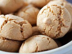 Для приготовления печенья нужно всего 4 ингредиента:  сахар,  яйца, мука и миндаль. – читайте на Domashniy.ru