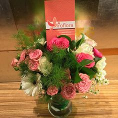 #corporate #flower #arrangement Corporate Flowers, Flowers Delivered, Flower Arrangement, Table Decorations, Rose, Instagram Posts, Home Decor, Floral Arrangements, Pink