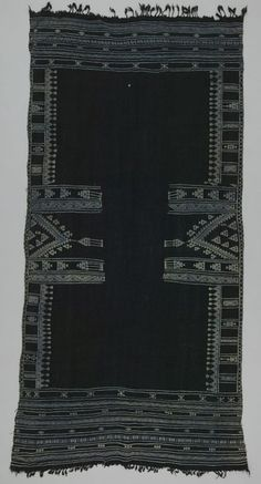 Africa   Shawl ~ bakhung ~ from the Berber people living in Douz, Kebili governorate, Tunisia   ca. Mid 20th century   Wool and cotton