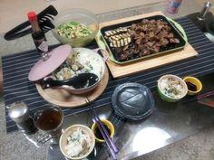 【ル・クルーゼ公式Twitterから】新入りのグリルやウェーブラムカンを使ってみた!サイコロステーキと野菜のグリル☆マルミットは義姉の広島土産の牡蠣ご飯♪ pic.twitter.com/fr7gYQew