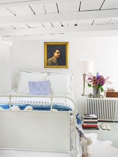 26 Best Shabby Chic Bedrooms - Modern Shabby Chic Decorating Ideas Black Master Bedroom, Gray Bedroom, Small Space Bedroom, Small Bedroom Designs, Small Spaces, Cute Bedroom Ideas, Modern Bedroom Decor, Big Bedrooms, Shabby Chic Bedrooms