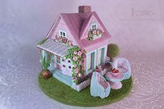 Shabby Chic Gingerbread House, by Incantata, at cookieconnection.