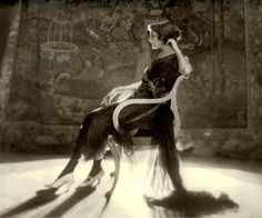 photograph captured by the famed Baron Adolph de Meyer, featuring former Ziegfield Follies girl and Broadway actress, Jeanne Eagels