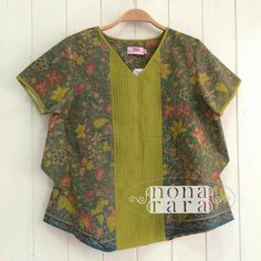 27 ideas dress brokat putih for 2019 Blouse Batik, Batik Dress, Summer Dress Outfits, Casual Summer Dresses, Spanish Baby Clothes, Dress Brokat, Batik Kebaya, Blue Dress Pants, Batik Fashion